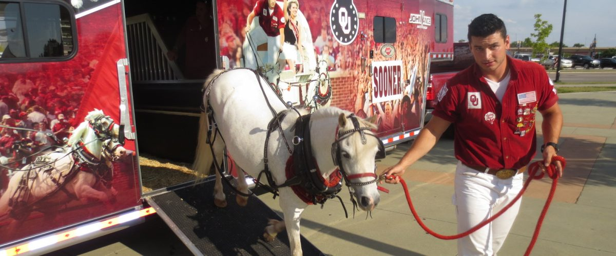 Unloading Boomer and Sooner at OU Club Watch Party